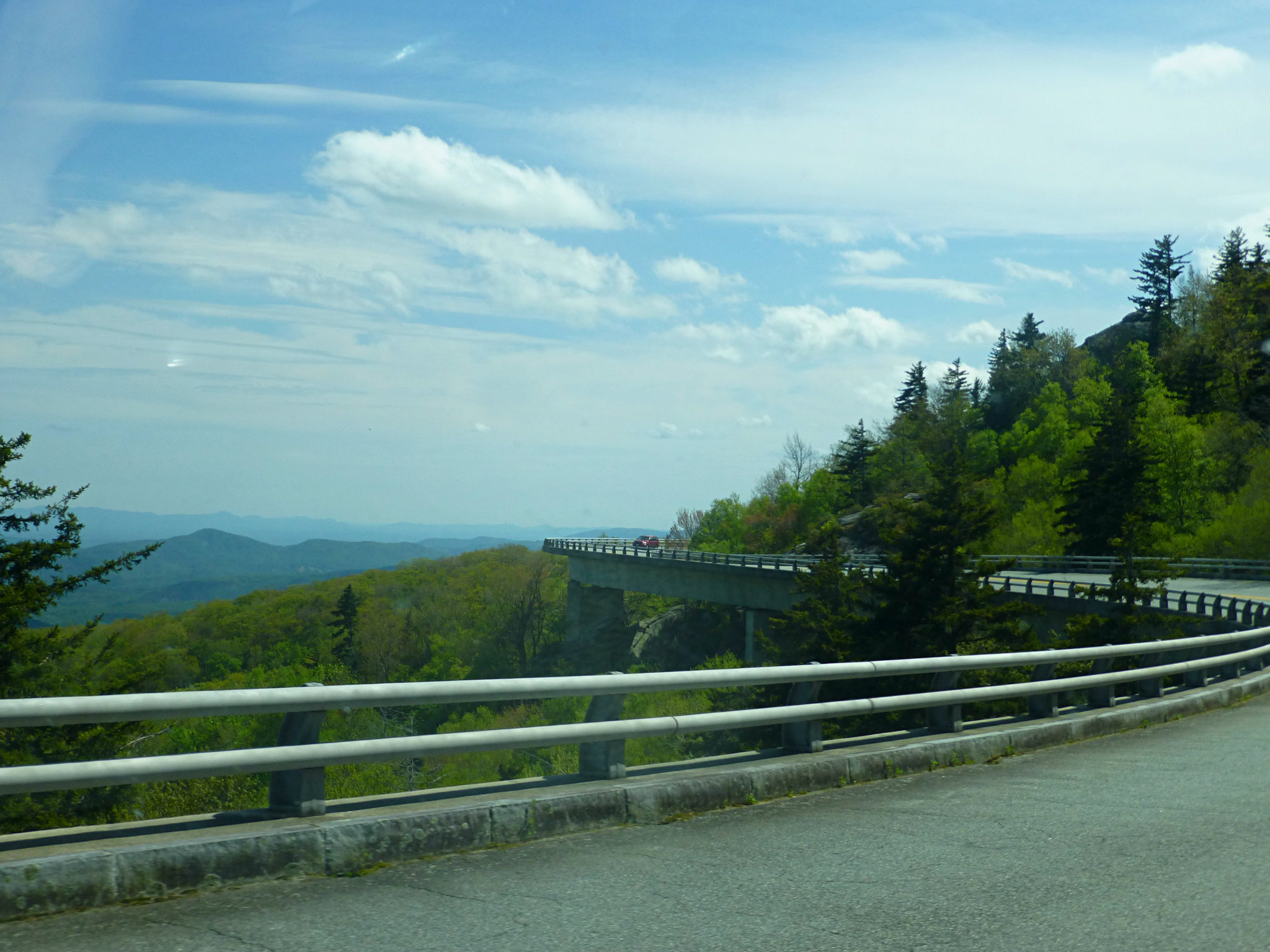grandfather-mountain-may-2016-linn-cove-viaduct-2